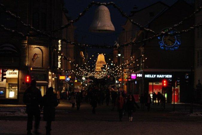 La Karl Johans Gate con las luces de Navidad